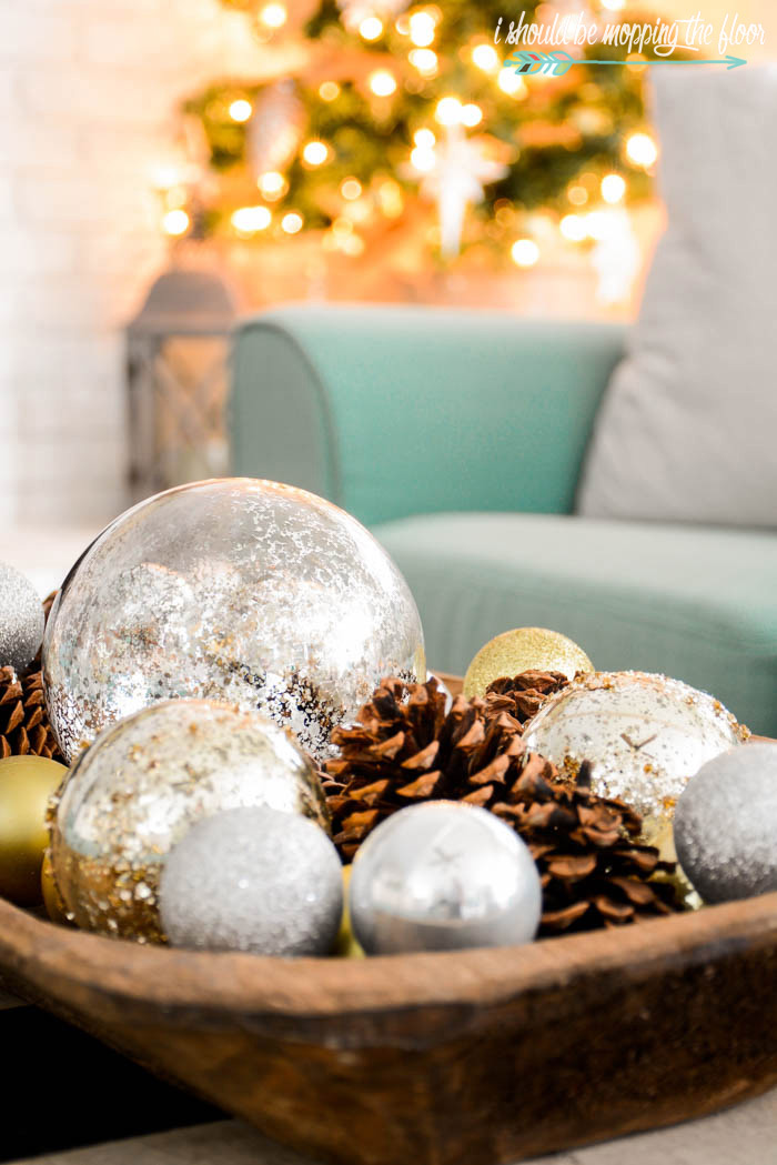 Christmas Dough Bowl Decor