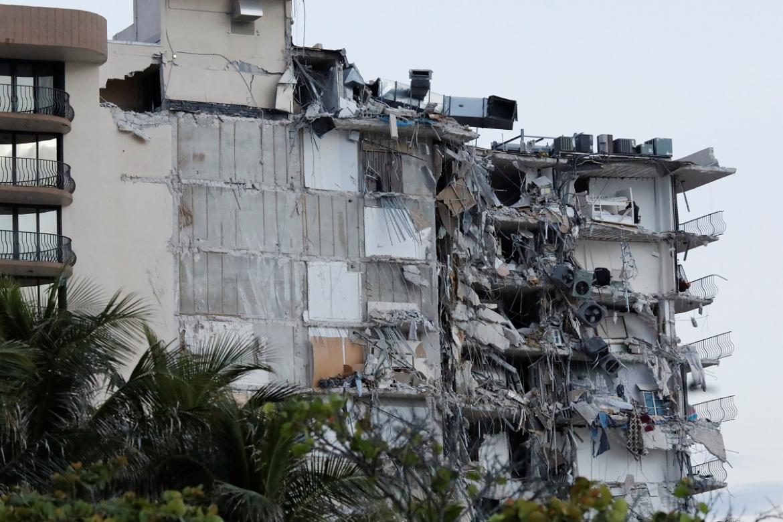 Derrumbe en Miami: el gobernador de Florida declara el estado de emergencia y los rescatistas redoblan esfuerzos