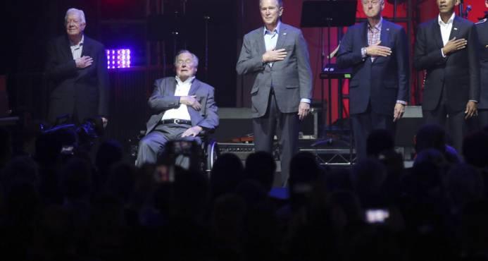 Los cinco expresidentes vivos de EE.UU. recaudan fondos tras los huracanes