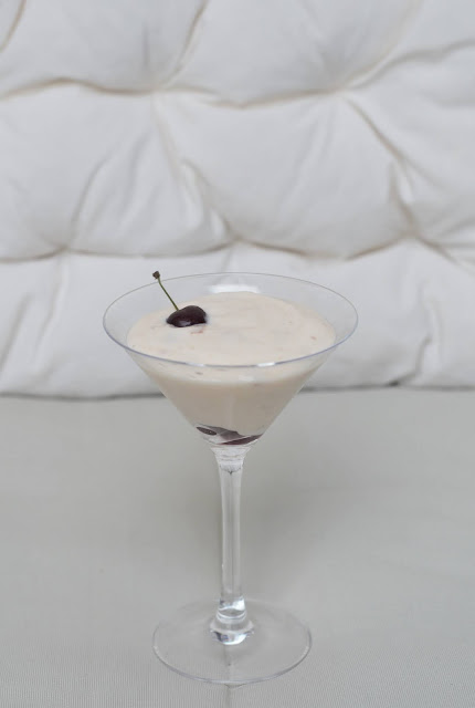Vanilla pudding with sour cherries