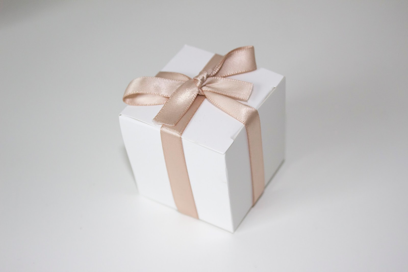 Elegant and Simple Wedding Favors