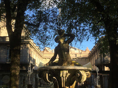 Everyday scenes of Bergamo: Fontana della Fiera, Piazza Dante.