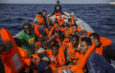 Internationale: L'Italie refoule (encore) le navire d'une ONG avec 59 migrants à bord