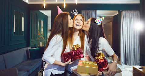 What to Give a Friend for Her Birthday