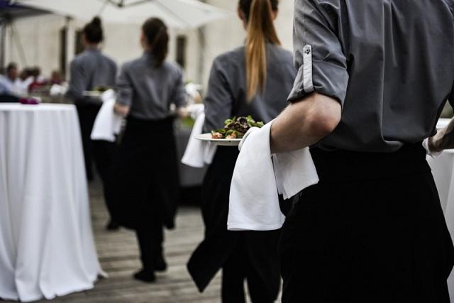 Đồng phục nhà hàng quan trọng như thế nào?