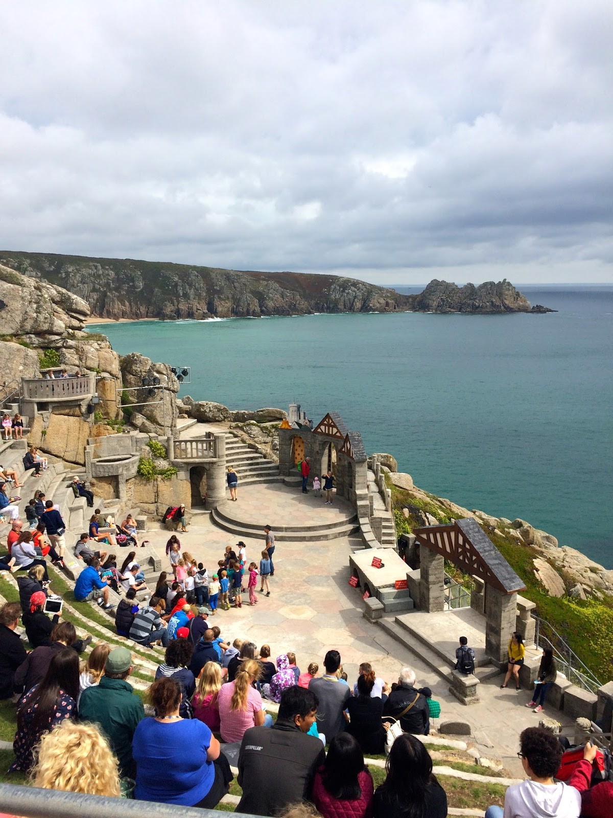 Things to do in Cornwall, Cornwall guide, lifestyle blog, Minach Theatre