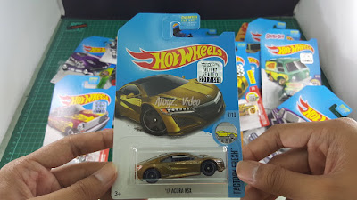 Hot Wheels Super Treasure Hunt 17 acura NSX