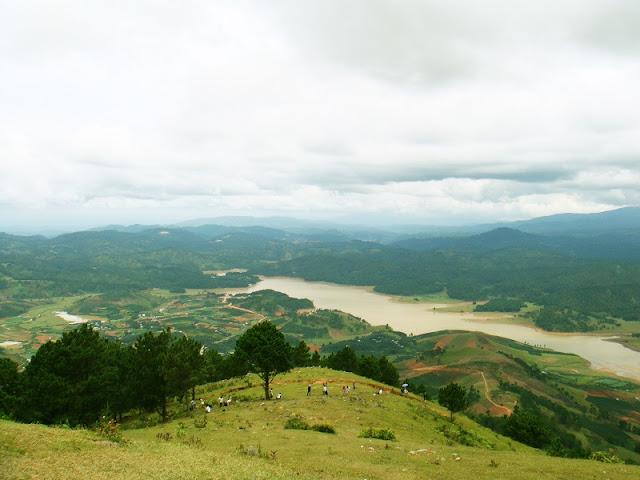 Hiking Langbiang Mountain