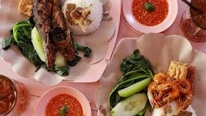 Ingin Liburan ke Bali? Ini Rekomendasi Makanan Halal, Ada Nasi Tempong Pink