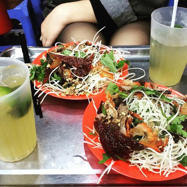 American Reporter Explores Street Food Vietnam 3