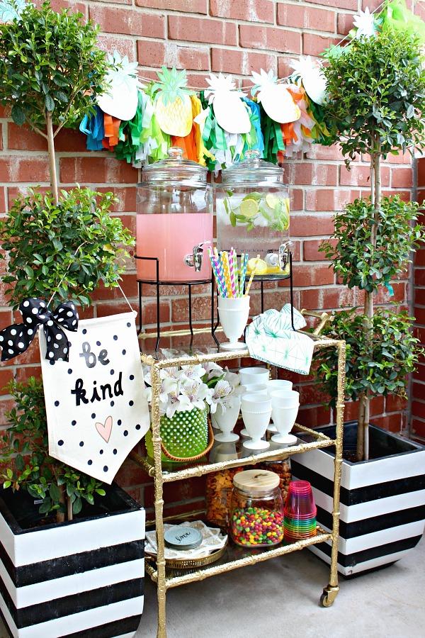 beverage station, outdoor entertaining, bar cart, snacks