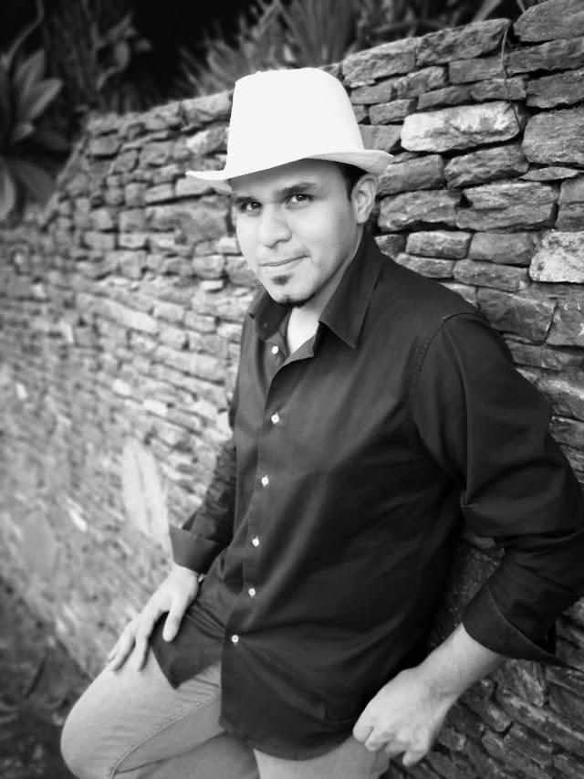 """Enrique Douglas el bachatero venezolano presenta su tema promocional """"confieso"""" una bachata para enamorar"""