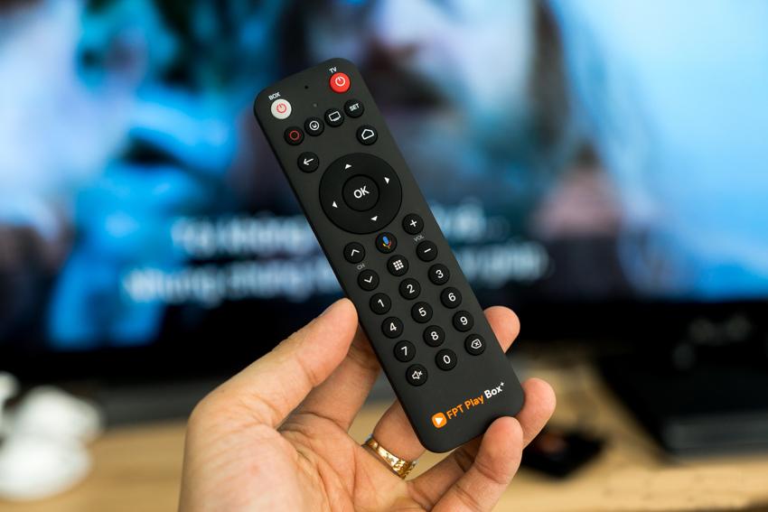 Điểm đáng chú ý trên FPT Play Box + 2020 đó là thiết bị điều khiển bằng giọng nói mang tên FPT Voice Remote