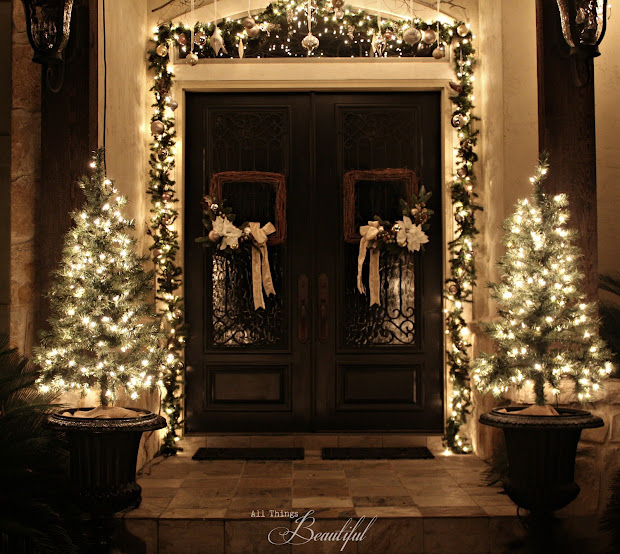 Beautiful Christmas Porch Garland