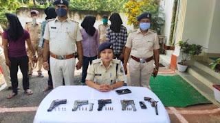 मुंगेर पुलिस की बड़ी कामयाबी, चार अपराधी गिरफ्तार, चार पिस्टल एक कट्टा और 14 गोलियां बरामद