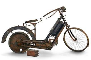 Historia De La Moto.-http://1.bp.blogspot.com/-73MG1yIrqrI/UDzYma0NwFI/AAAAAAAAABI/Wm3vkhGxveg/s320/2e292_hildebrand_wolfmuller.jpg