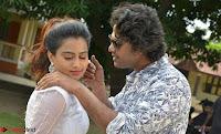 Romantic Stills from Tamil movie Jeyikkira Kuthira 011.jpg