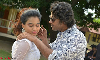 Romantic Stills from Tamil movie Jeyikkira Kuthira 011.jpg