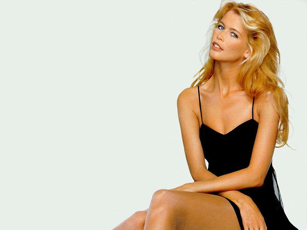 nude (92 photo), Cleavage Celebrity photos