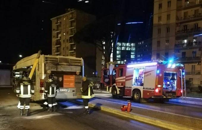 Flambus: Roma, principio di incendio bus Atac 718
