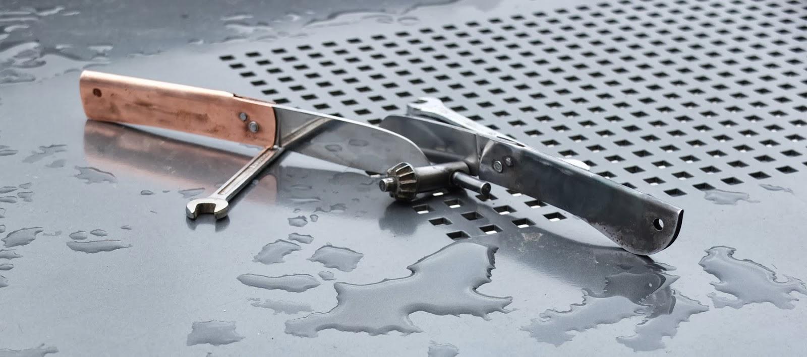 Couteau en cuivre et tôle