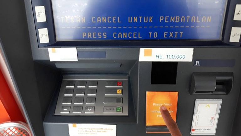 Ini yang Harus Dilakukan Jika Kartu ATM Tertelan Mesin