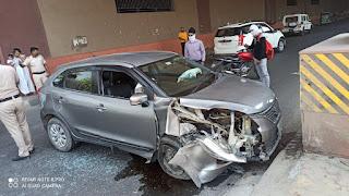 पुलिस ने पेश की इंसानियत की मिसाल, कार दुर्घटना में घायल लोगों को पहुँचाया अस्पताल