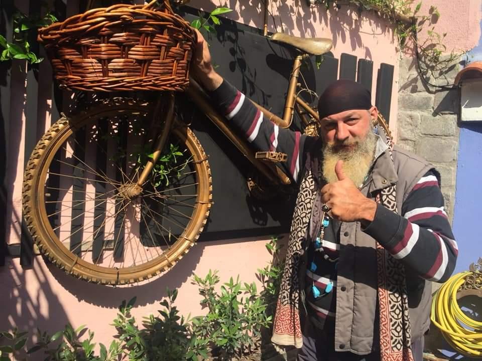 Ξάνθη: Στηρίζει την τοπική αγορά ο Βασιλιάς του Ξανθιώτικου Καρναβαλιού