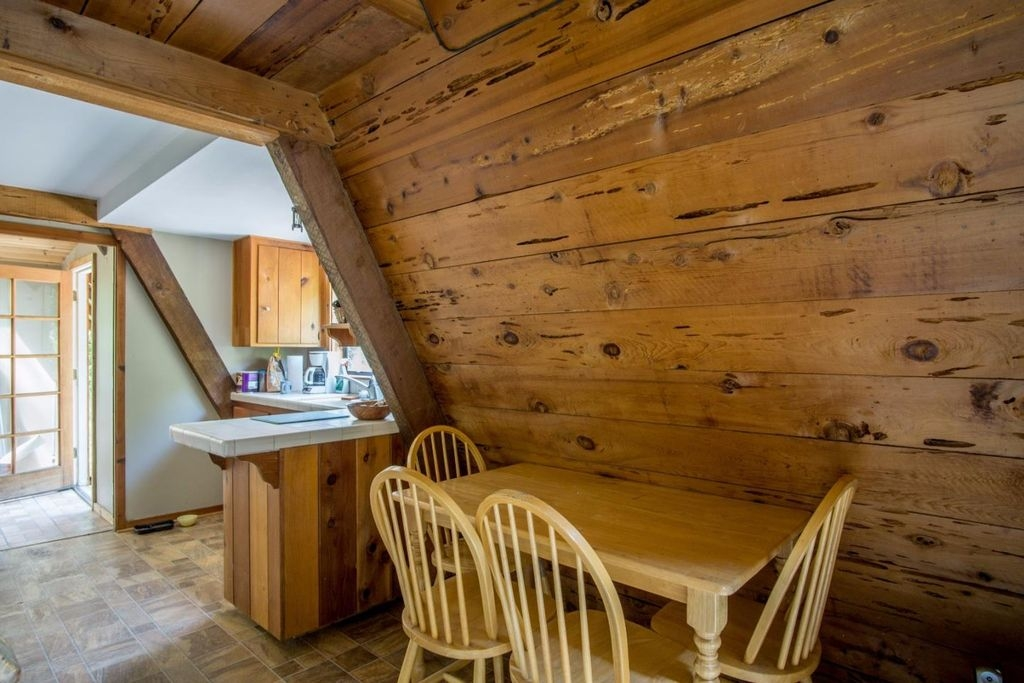 08-Architecture-with-the-Tiny-A-Frame-House-www-designstack-co