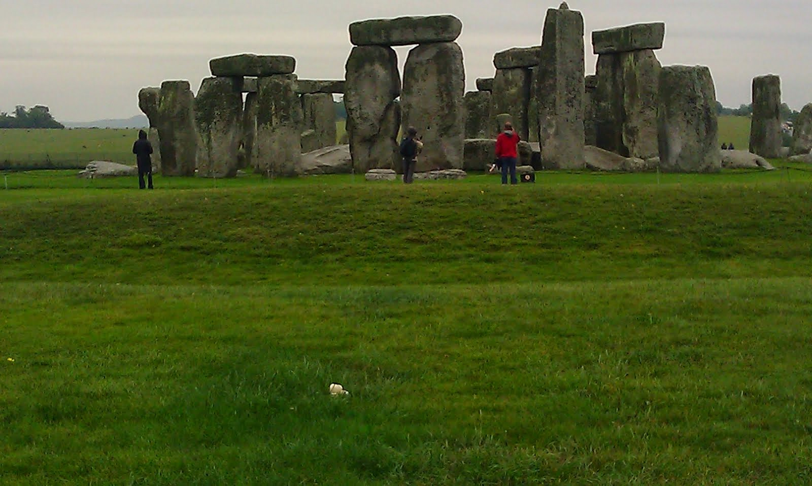stonehenge mysterious and famous archaeological site Stonehenge is perhaps the most famous, mysterious and architecturally sophisticated prehistoric monument in the world this massive stone structure is believed to have been constructed somewhere between 3000 bc to 2000 bc, making it over 5000 years old.