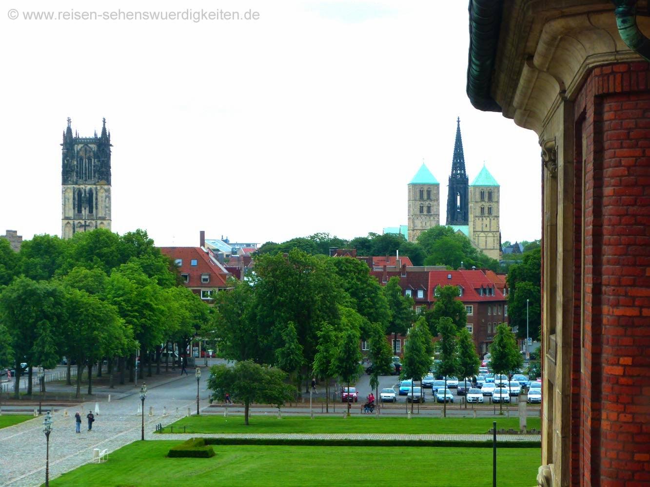 Blick aus dem Schloss auf die Innenstadt von Münster