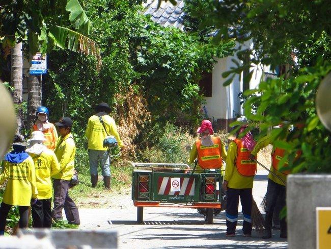 Генеральная уборка на улицах острова Самуи