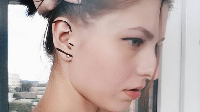 ear make up_08