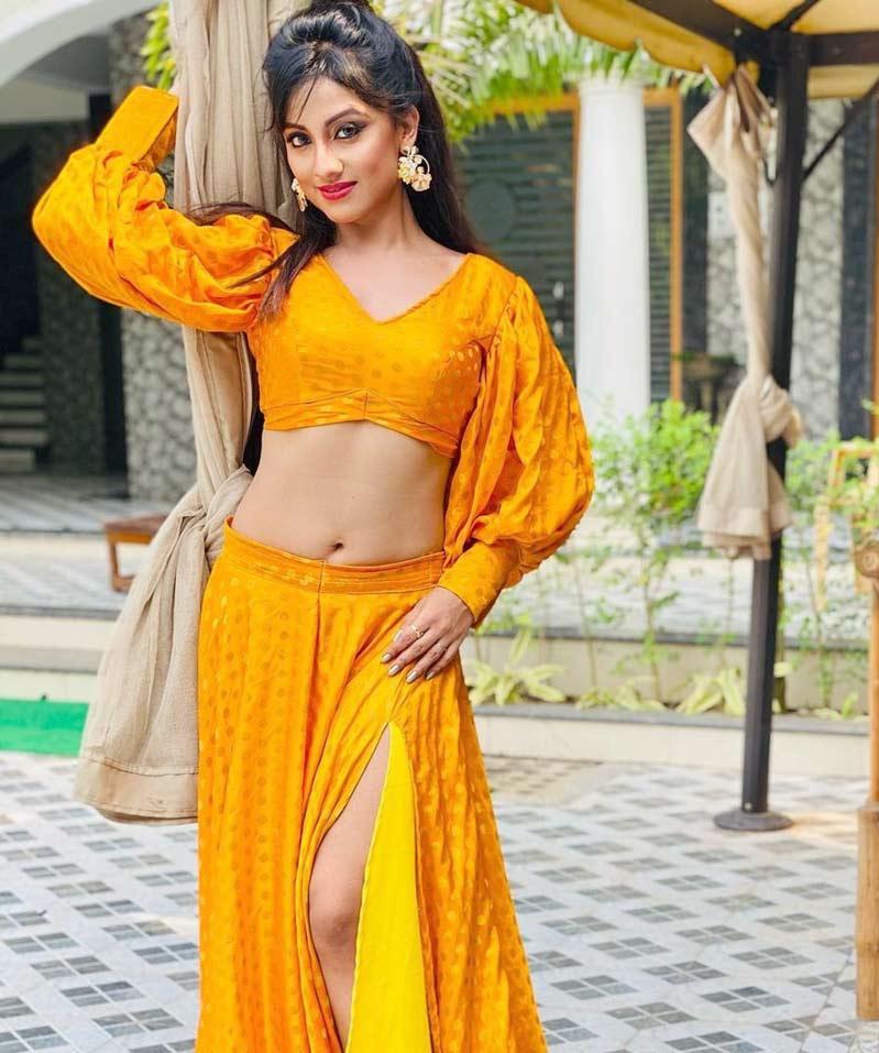 Riya Dey Looking Pretty in Yellow outfit