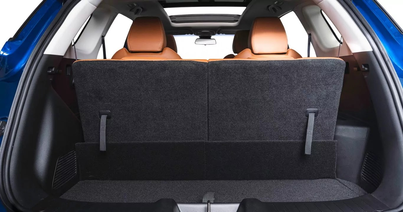 MG Hector Plus boot space