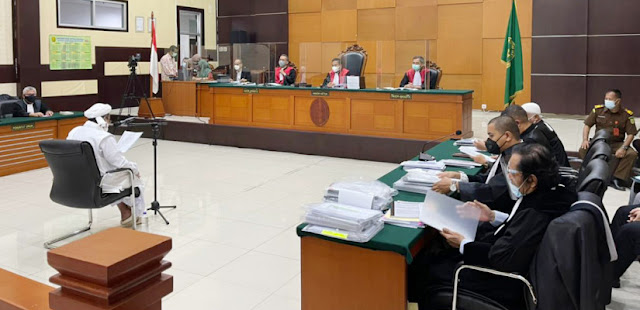Pengacara Habib Rizieq: Jaksa Kutip Hadis Nabi untuk Zalimi Ulama
