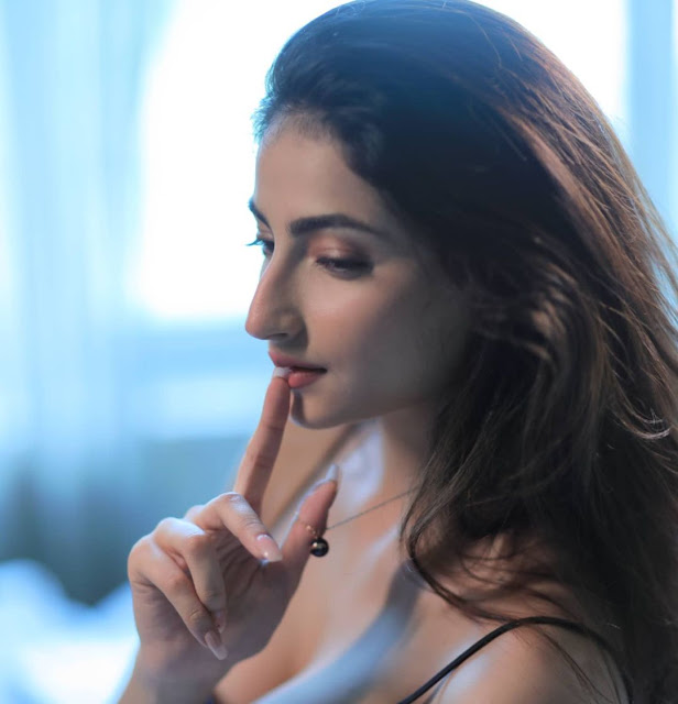 palak tiwari is raising the temperatur with her bold pictures