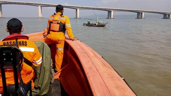 Jenazah Pria yang Bunuh Diri di Jembatan Suramadu Ditemukan