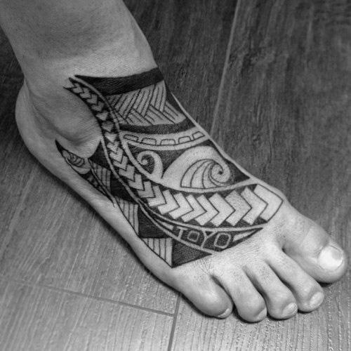 Ff020f494a Arriving Watch Rihanna Foot Tattoos My Jamaican Flag
