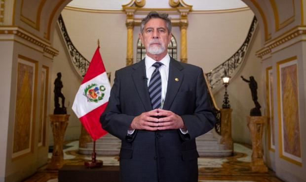 Perú suspende ingreso de vuelos de Europa durante dos semanas, anuncia presidente Sagasti