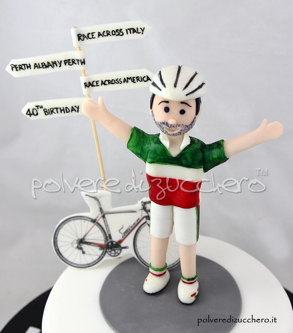 torta cicismo ciclista biciclette cake design pasta di zucchero polvere di zucchero modelling 40 compleanno