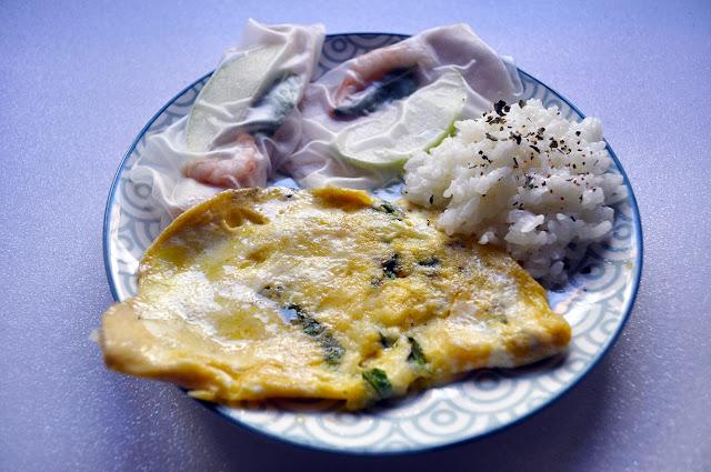 primer plano del plato , se ven en el arroz cilantro y pimienta