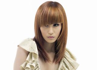 Model Rambut Layer Panjang Semir