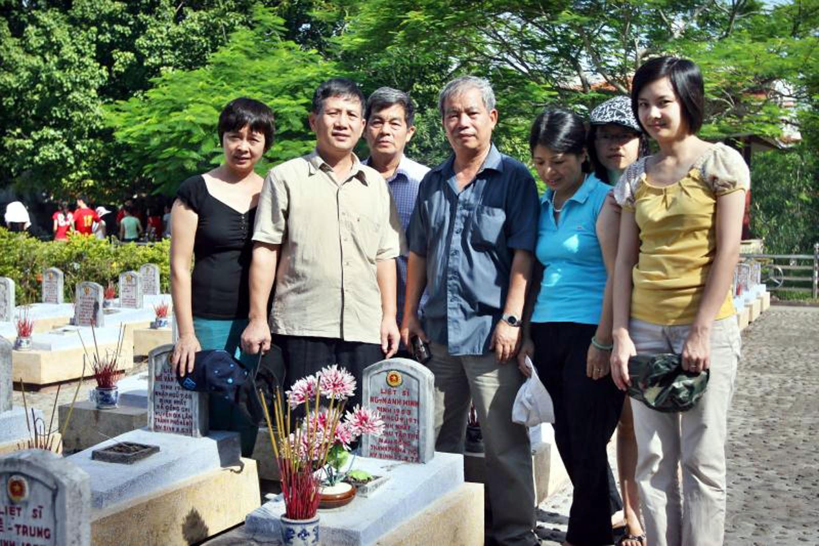 Có anh Hoàng Việt Thắng K4, gia đình Vũ Văn Việt và Lê Minh Chính K6.