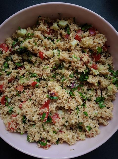 Tabbouleh z komosą ryżową