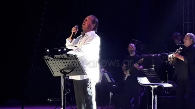 Άγριος καυγάς Γιάννη Πάριου με δήμαρχο διέκοψε στη μέση συναυλία (video)