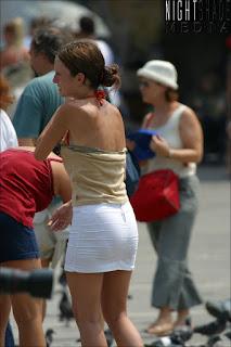 linda-jovencita-minifalda