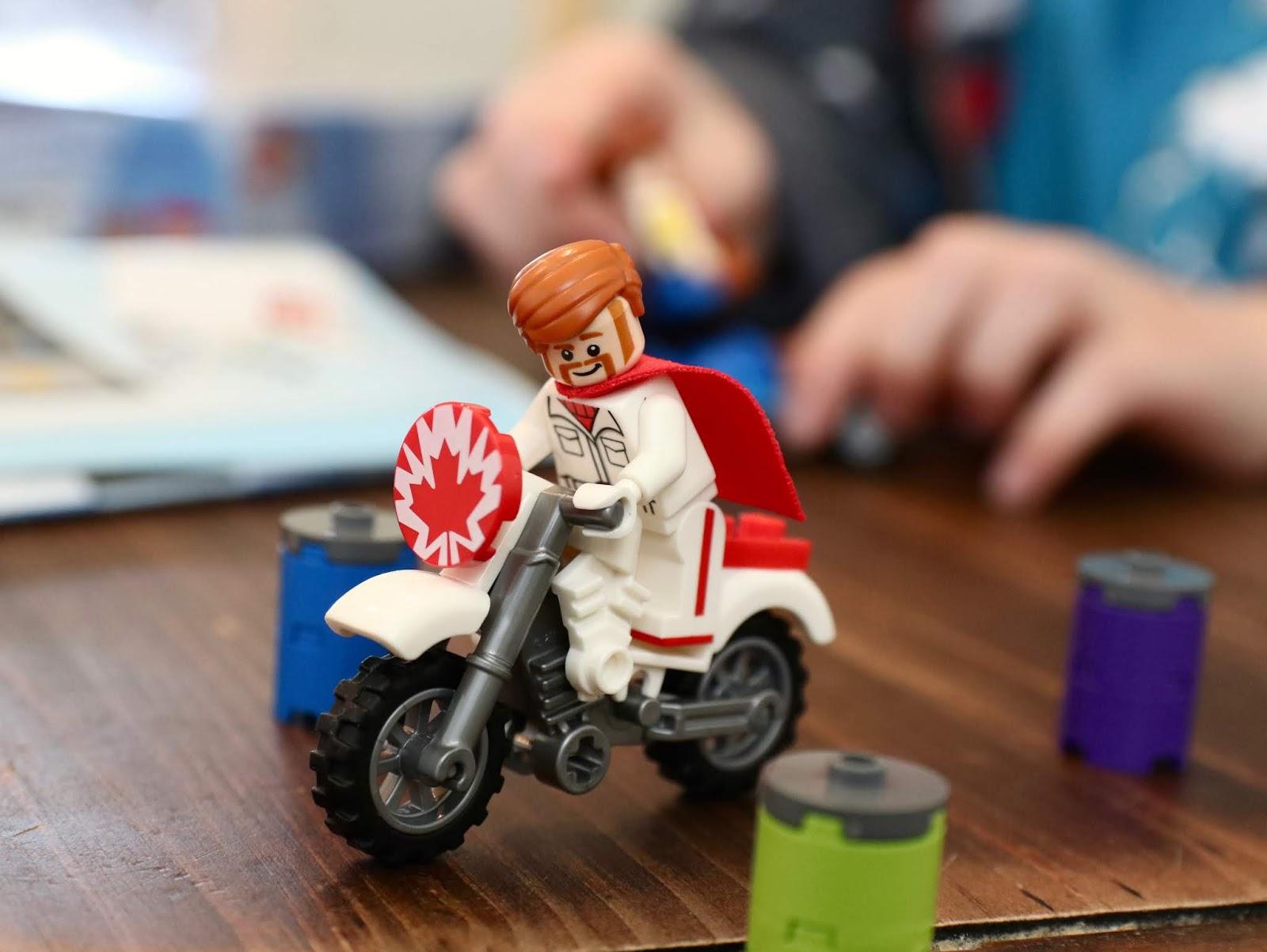 toy story 4 lego duke caboom stunt show
