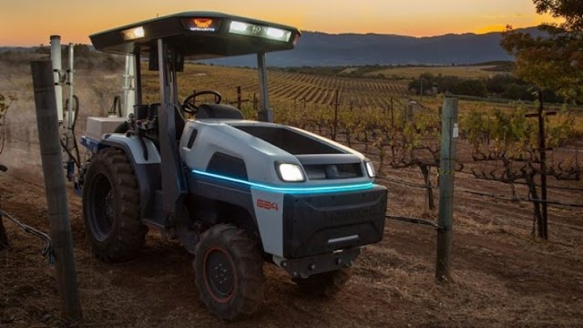 This is the tractor of the year: It does not pollute, and does all the work itself