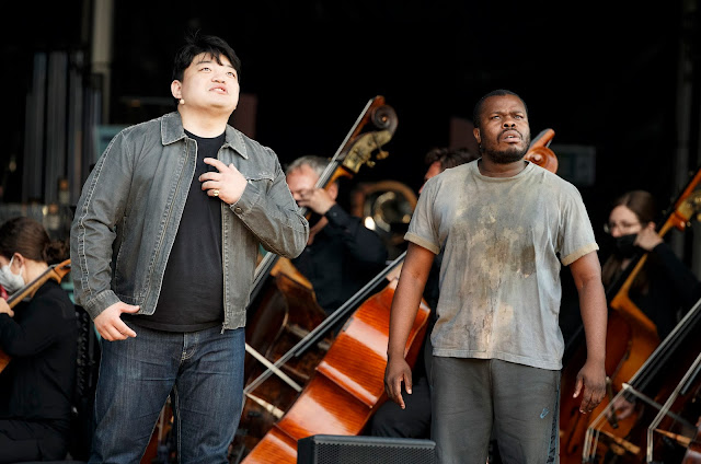Puccini: Tosca - David Junghoon Kim, Simon Shibambu - ENO at South Facing Festival (Photo Lloyd Winters)